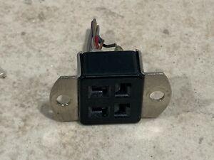Cinch Jones S304-AB S3304-AB   Beau / Molex 38330-0504 4 Pin Female Socket PULL