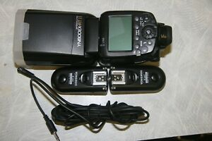 Yongnuo YN600EX-RT ii Flash for Canon w/2 RF-603C transmitter/receivers MINT!