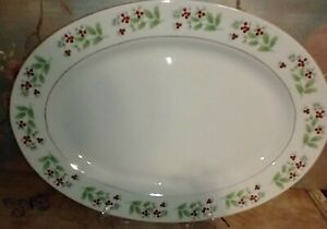 """Gibson Everyday Christmas Charm Holly Berry 14"""" Oval Serving Platter"""