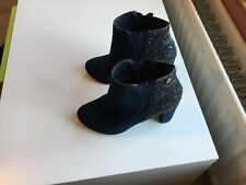 Womans XTI Navy Heeled Boots Only Worn A Few Times Size 6