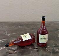 Set of 2 Hennessy/Henny Bottles ACCESSORIES ONLY Mezco, Marvel Legends 1/12