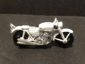 Matchbox Motorcycle Honda 750 White 1977 number 33