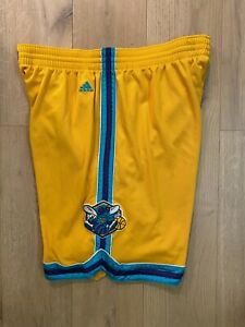 Vintage Adidas New Orleans Hornets NBA Shorts Mens Size 40 Large yellow