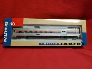 NOS Walthers BUDD 85' Budd Baggage Dormitory - Amtrak Phase 2 932-6462