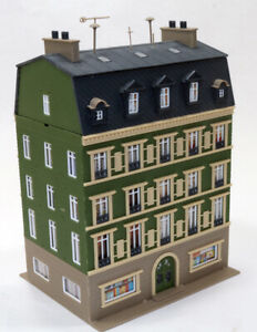 Built up Vollmer 5 Story Building Book Store Retail /upper floors residential HO