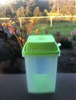 TUPPERWARE SQUARE PICK A DELI 2L LIME GREEN BEETROOT PICKLES KEEPER NEW