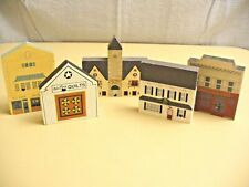 The Cat's Meow - Lot of 5 Different Decorative Village Pieces - Nice