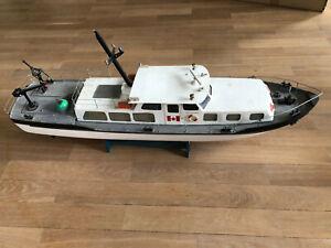 Robbe Bussard Stromaufsichtsboot 90cm mit Sonderfunktionen- Bauprojekt
