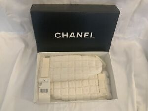 Authentic Chanel Fur Mittens/small/ No Chain