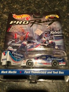 HOT Wheels #6 Mark Martin with Trailer 1:64 Scale Pit Crew 1998