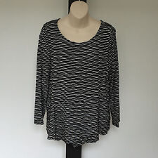 'BLUE ILLUSION' EC SIZE 'M' BLACK & WHITE TEXTURED PATTERNED LONG SLEEVE TOP