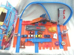 Large Bundle of Hot Wheels, Lots of Track, 8 Cars &  A Variety of Accessories