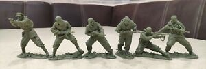 Plastic Platoon Toy Soldiers WWII Soviet Red Army Scouts Saboteurs set 1:32 NEW