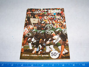 1968 PHILADELPHIA EAGLES YEARBOOK  LOOKS NEAR MINT--- VERY RARE !!