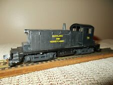 WALTHERS SW-1 SWITCHER DIESEL LOCOMOTIVE, MA AND PA RR #70, RUNS, WEATHERED