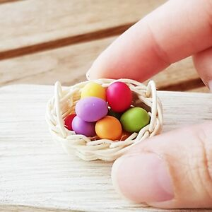 10x Colorful Easter Eggs in Oval Rattan Basket Dollhouse Miniature Supply Artist