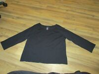 Apostrophe Size XL (18) Black Crew Neck Sweater Rayon Nylon 3/4 sleeve