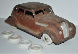 1934 Kingsbury Airflow Wind-up Toy Car -original condition