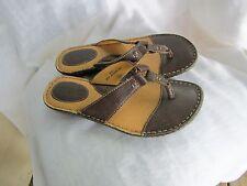 b.o.c Born Concept  Brown Leather Sandals T-Strap Size 8M EUC