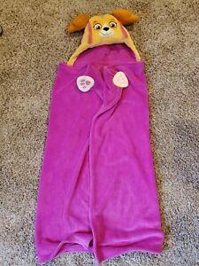 Comfy Critters Hooded Throw Blanket - Paw Patrol - Skye Pink