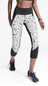 NWOT Athleta Printed Stealth TruCool Capri Black White Size XS 777534