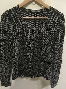 METALICUS b/w patterned, textured ls Top- One Size