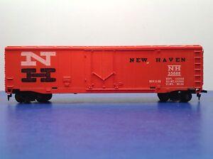 "HO Scale Tyco ""New Haven"" 50' Plug Door Boxcar Road # NH 35688"