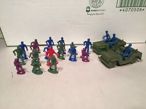 Vintage 54mm MPC Ring Hand Figures And Jeeps