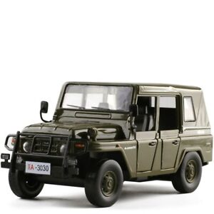 1:32 Diecast Alloy Sound&Light Pull Back Beijing jeep SUV Car Model Kids toys