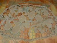 xx°fait main napperon écru  ovale ou futur coussin 66cmx47cm ,les fruits