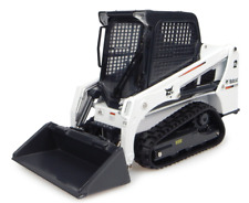 UNIVERSAL HOBBIES 8111 1:25 SCALE BOBCAT T450 TRACKED LOADER