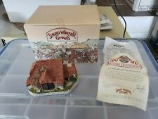 David Winter Harvest Barn British Traditions Collection, October Retired 1995