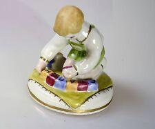 Russische Porzellanfigur Junge wird Würfel gespielt Porzellan Russland STALIN