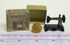7904# Sewing Machine in Box-Dolls House-Doll M 1:12