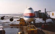 PRINT of United Boeing 747-200