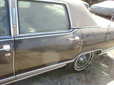 DRIVER REAR  DOOR & GLASS LINCOLN CONTINENTAL TOWN CAR 77 78 79