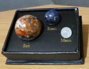 COSMIC COLLECTION PLANETARY GEMSTONES Giftbox - SUN EARTH & MOON