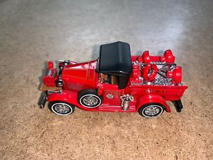 MATTEL 1930 FORD MODEL A FIRE ENGINE TRUCK YESTERYEAR DIECAST VEHICLE YFE12