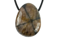 Pendentif chiastolite (pierre trouée) + cordon en cuir