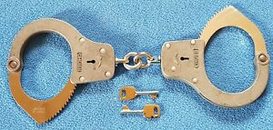 Chubb 1K70 Detainer Handcuffs (not fully operational !)