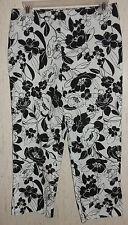 WOMENS tangents WHITE W/ BLACK FLORAL PRINT CAPRIS/ CROPPED PANTS   SIZE 5/6