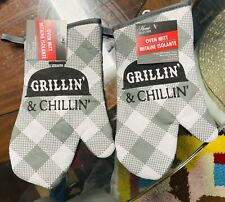 Home Collection Kitchen Oven Mitts Mittens Grilling & Chilling. Lot of 2. A+