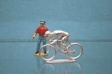 PA096 - Cycliste rouleur en métal blanc à peindre