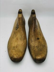 VINTAGE PAIR Wood Size 3B Industrial Shoe Factory Last Mold By Krentler Bro's,