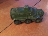 VINTAGE COLLECTIBLE DINKY TOYS ARMORED PERSONNEL CARRIER