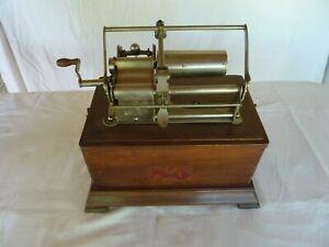 Phonographe PATHE n°1 de 1905 environ.