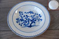 assiette ancienne en faïence camaïeu bleu insecte XIXe Ferrière la petite