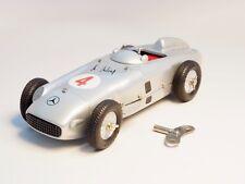 Marklin  Märklin 1102 Silver Arrow Mercedes F1 race car, wind-up clockwork 1995