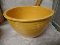 Vtg. c1938-44 Yellow Fiesta Ware No. 6 Mixing Bowl, HLC RINGS INSIDE #6