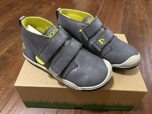 New PLAE Boys Metallic Suede Mid High Top Shoes Sneakers Toddler Size 12 Gray